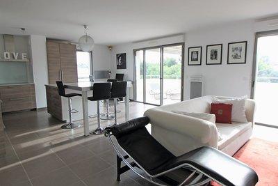 - 4 rooms - 102 m²