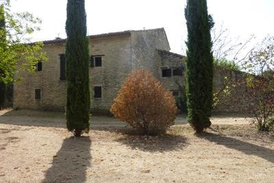 Maison à vendre à CABRIÈRES D'AVIGNON  - 8 pièces - 300 m²