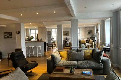 - 4 pièces - 190 m²