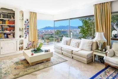 Maison à vendre à CANNES  - 10 pièces - 250 m²