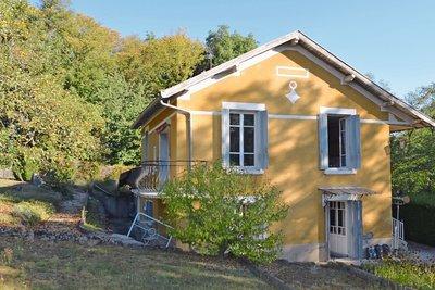 Maison à vendre à CHARBONNIÈRES-LES-BAINS  - 5 pièces - 130 m²