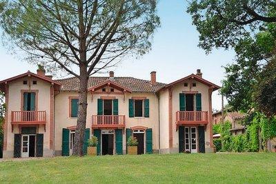 Maison à vendre à MONTGISCARD  - 14 pièces - 590 m²