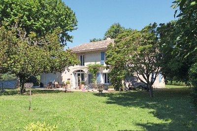 Maison à vendre à NOVES  - 6 pièces - 140 m²