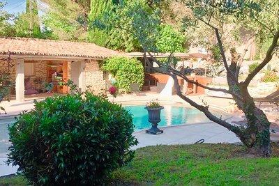 Maison à vendre à ARAMON  - 6 pièces - 270 m²