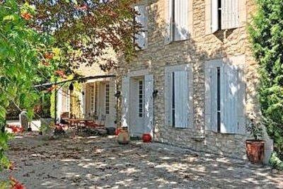 Maison à vendre à ST-ETIENNE-DU-GRÈS  - 7 pièces - 180 m²