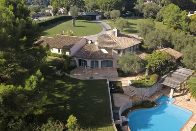 House for sale in MOUGINS   - 600 m²