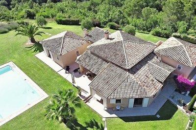 Maison à vendre à CAGNES-SUR-MER  - 9 pièces - 335 m²