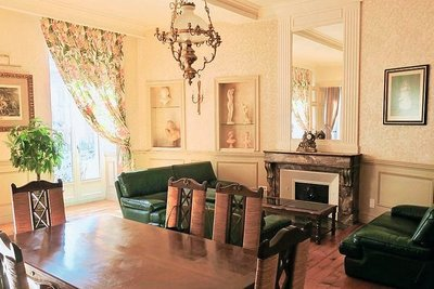 Apartment for sale in TOULOUSE  - 7 rooms - 216 m²
