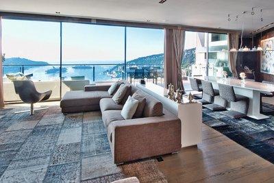 Maison à vendre à VILLEFRANCHE-SUR-MER  - 6 pièces - 410 m²