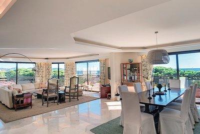 Appartement à vendre à MANDELIEU-LA-NAPOULE  - 5 pièces - 184 m²