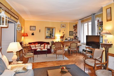 Apartment for sale in real estate LYON  6EME