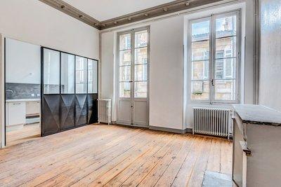 Apartment for sale in BORDEAUX  - 4 rooms - 109 m²