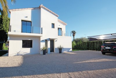 House for sale in MANDELIEU-LA-NAPOULE  - 6 rooms - 200 m²