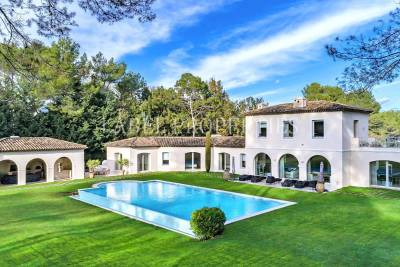 House for sale in MOUGINS  - 10 rooms - 750 m²
