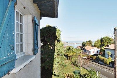 - 11 rooms - 250 m²