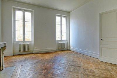 - 3 rooms - 125 m²