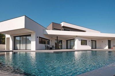 - 8 rooms - 340 m²