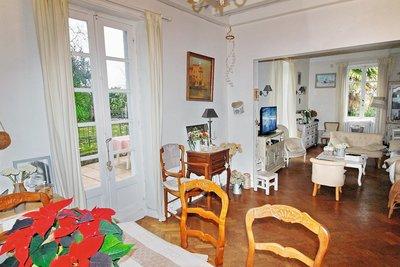 - 11 rooms - 200 m²