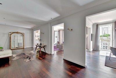 - 5 rooms - 300 m²