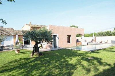 - 7 pièces - 300 m²