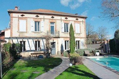 - 7 rooms - 180 m²