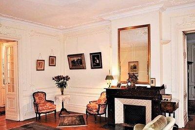 - 7 rooms - 211 m²