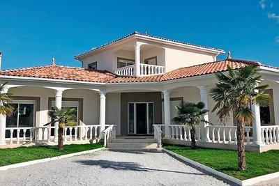 - 5 rooms - 230 m²