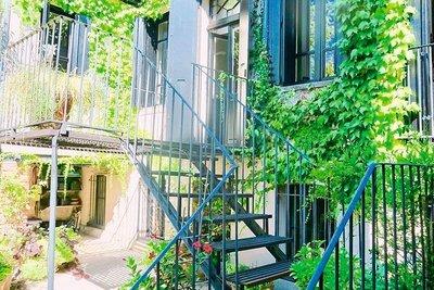 - 9 rooms - 300 m²