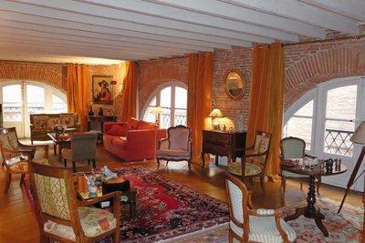 - 3 rooms - 136 m²