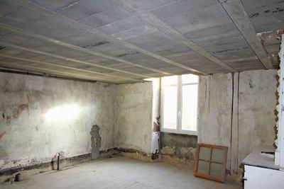 - 63 m²