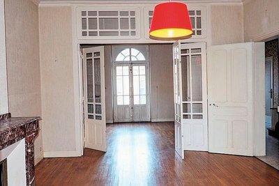 - 6 rooms - 200 m²