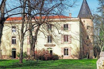 - 20 rooms - 800 m²