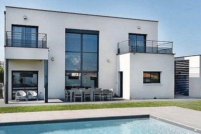 CHARBONNIÈRES-LES-BAINS - Houses for sale