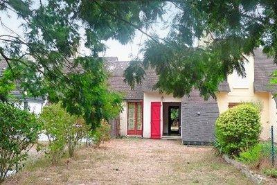BATZ-SUR-MER - Maisons à vendre