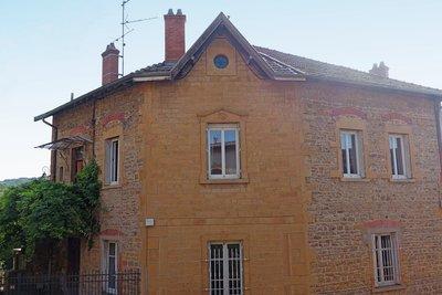 LE BOIS-D'OINGT - Houses for sale