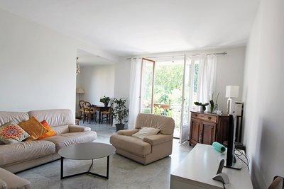 - 3 rooms - 81 m²
