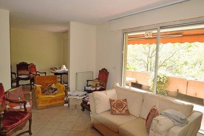 - 6 rooms - 148 m²