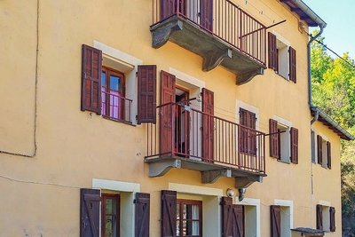 - 11 pièces - 272 m²