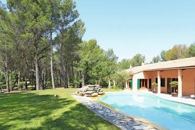 - 8 rooms - 266 m²