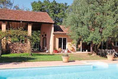- 10 rooms - 380 m²