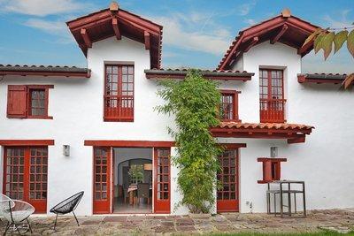 - 10 rooms - 320 m²