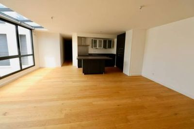 - 2 rooms - 80 m²