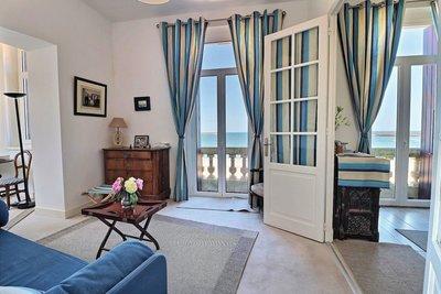 - 2 rooms - 55 m²