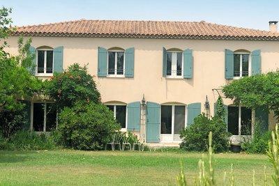 - 7 rooms - 235 m²