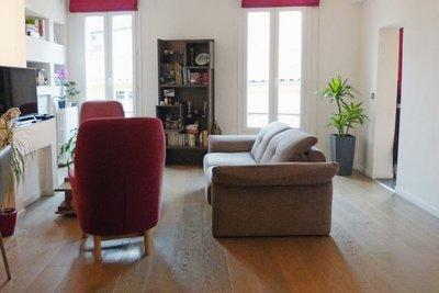 - 2 rooms - 69 m²
