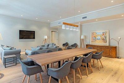 - 5 rooms - 188 m²