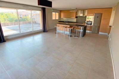 - 5 rooms - 103 m²