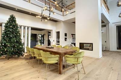 - 8 rooms - 700 m²