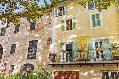- 6 rooms - 133 m²