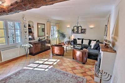 - 4 rooms - 140 m²
